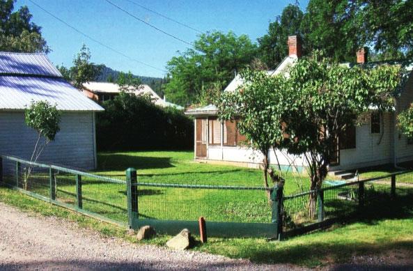 J.W. and Elizabeth Slagle House and shed, Republic
